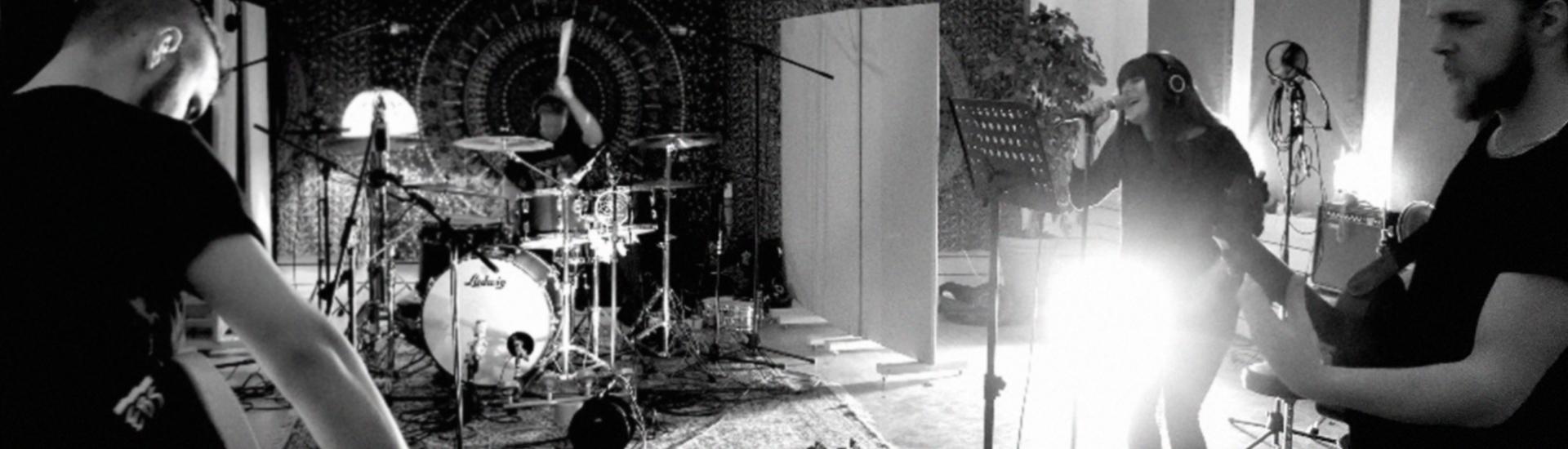 Six Feet Deeper – ösig musik med massa groove!